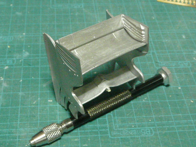 MP4-27-23.jpg