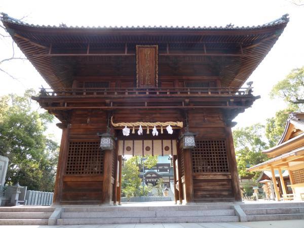 椿神社山門2