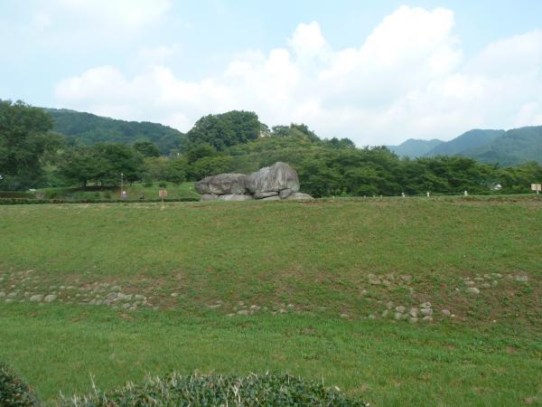 石舞台古墳遠景1