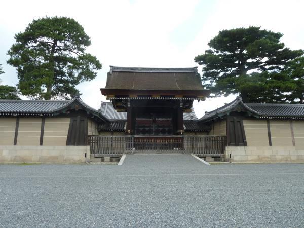 京都御苑建礼門3