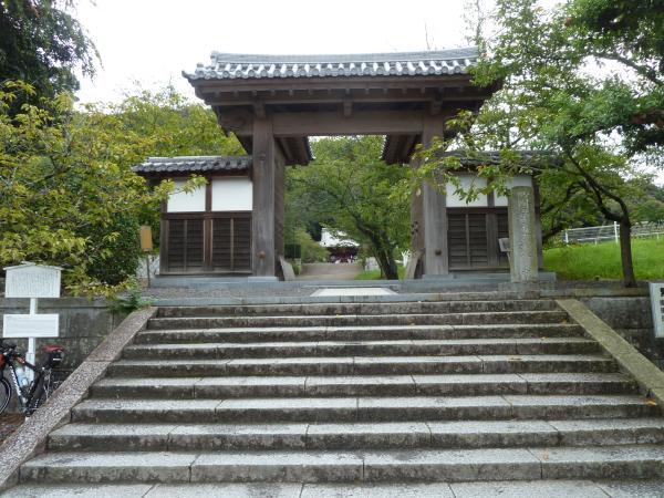 繁多寺山門2