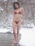 吉木りさ セクシー ローレグマイクロビキニ水着 おっぱいの谷間 全身 雪景色 濡れている カメラ目線 高画質エロかわいい画像90