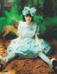 AKB48 市川美織レモン セクシー ロリータファッション 開脚 カメラ目線 高画質エロかわいい画像18