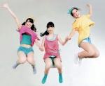 AKB48 柏木由紀 倉持明日香 高城亜樹 セクシー カメラ目線 ショートパンツ 太もも ジャンプ 壁紙サイズ 高画質エロかわいい画像21