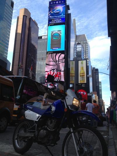 アメリカ バイク ツーリング ニューヨーク マンハッタン ブロードウェイ 海外 旅行