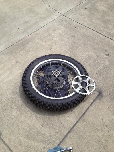 アメリカ バイク ツーリング DR200SE ジェベル タイヤ スプロケット 交換