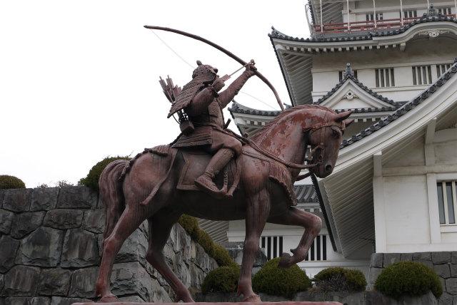 千葉城 千葉常胤の銅像