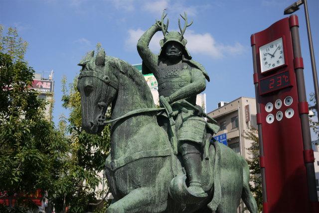 上田駅 真田幸村の銅像