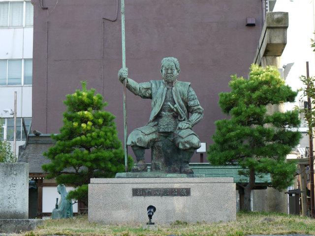 北の庄城跡 柴田勝家の銅像