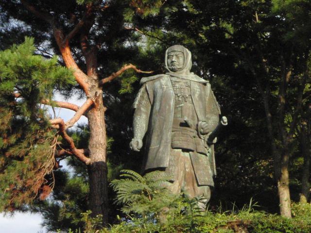 春日山城 上杉謙信の銅像