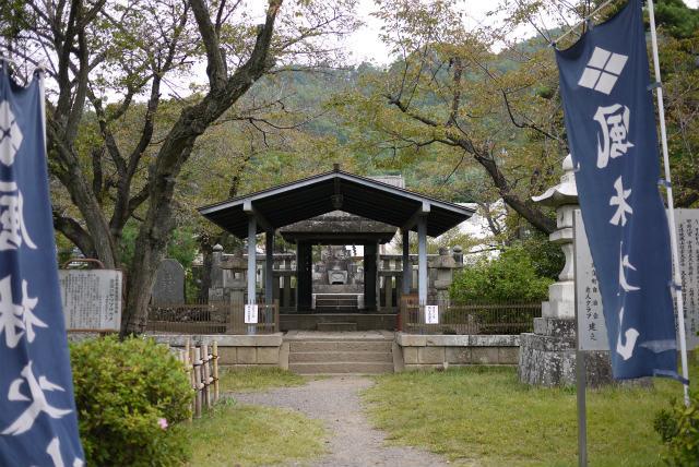 甲府 武田信玄の墓