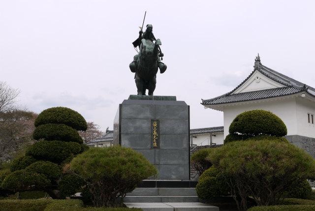 山形城 最上義光の銅像