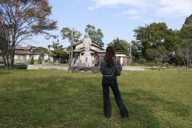 坂本城 明智光秀の銅像