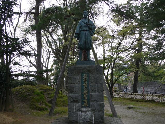 堀部安兵衛の銅像 新発田