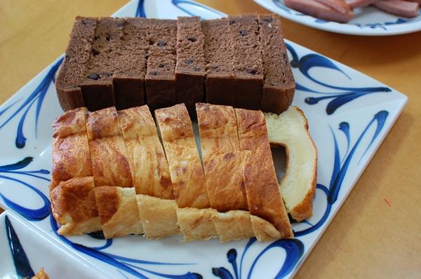 朝はパン♪