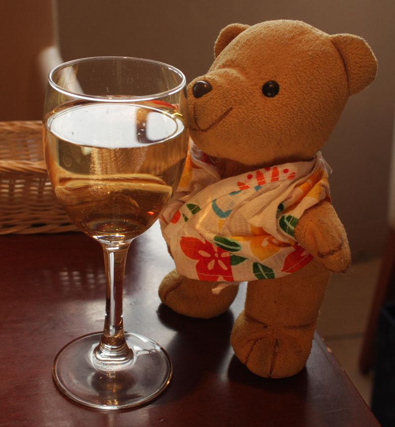 ハウスワインをいただく