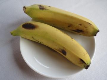 2-27 デザートに、こちら特有の小さなバナナ