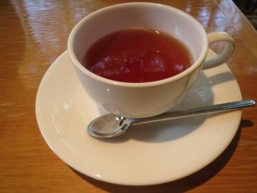 ・・セットの紅茶を合わせて 1000円