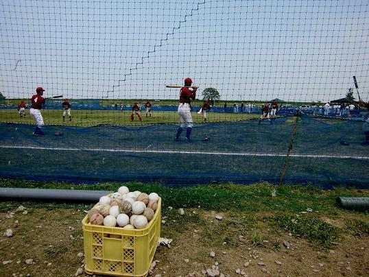 13.4.29ブログ用真央野球・レンゲ畑 (30)
