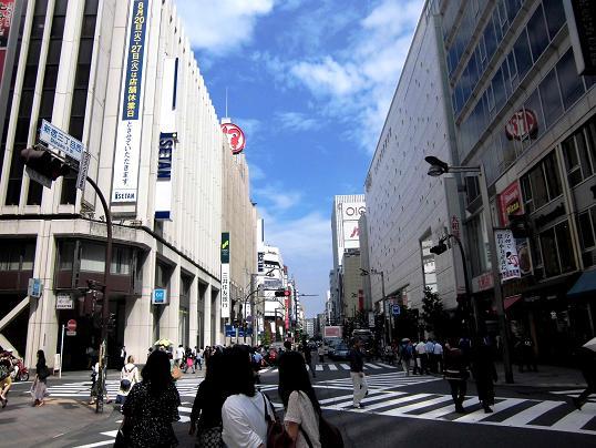 9 13.6.28ブログ用5階歯科・ライオン・新美術館 (84)