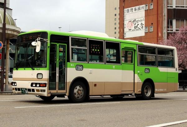 富山230あ・138