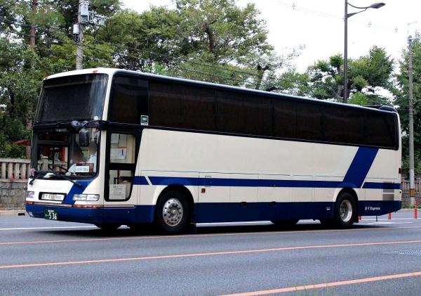 成田200か・536