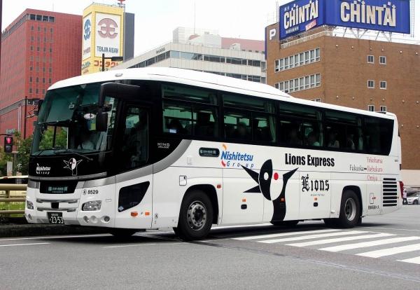 福岡200か2353 8529
