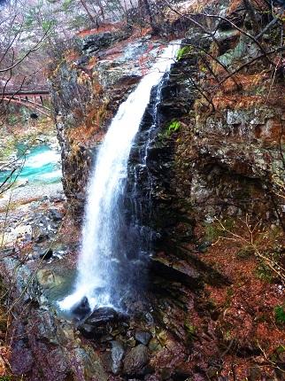 虹見の滝・全景