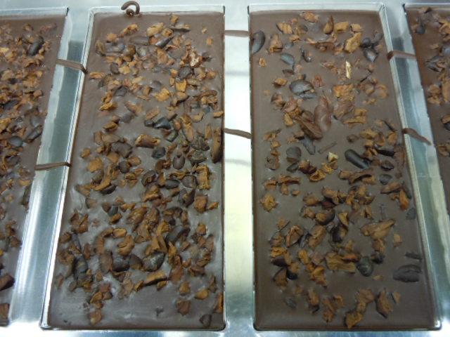 ニブ入りダークチョコレート