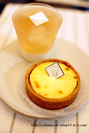 こぐま洋菓子店◇チーズケーキ&桃のブラマンジェ