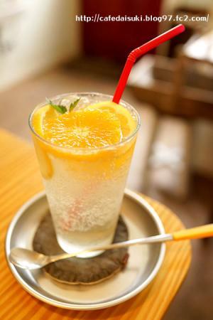 tete cafe◇オレンジとレモン酢のソーダ