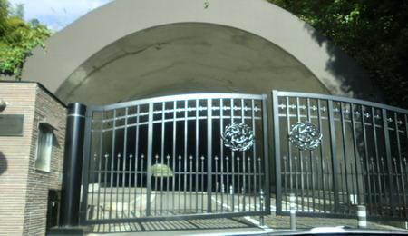 gate-450.jpg