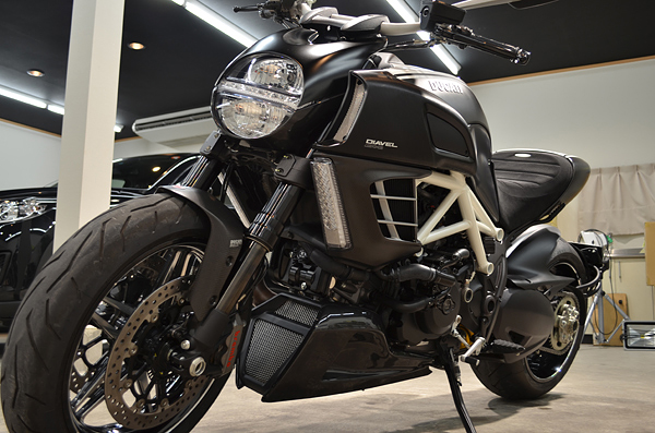 1308ducatidiavel04.jpg