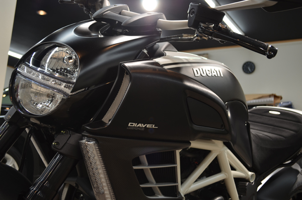 1308ducatidiavel05.jpg