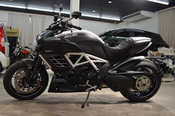 1308ducatidiavel15.jpg