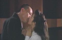 祥子に接吻する澄賢