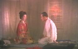 蚊帳の中で向き合い