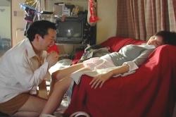 山形先生の部屋で寝てしまったマチコ先生、危機一髪