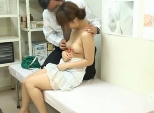 妊娠してしまった巨乳JDで生SEXを楽しむヤブ医者が鬼畜すぎる・・・