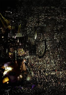Andreas-Gursky_Madonna_convert_20130911215319.jpg