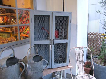 ペイント家具 ガーデンキャビネット 収納箱 リメイク家具