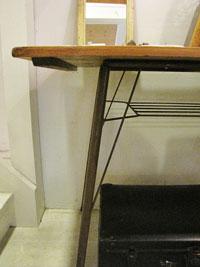 【Re-design】茶色パイプ脚のテーブル W100 入荷しました!