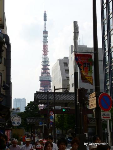 芝の大門と東京タワー