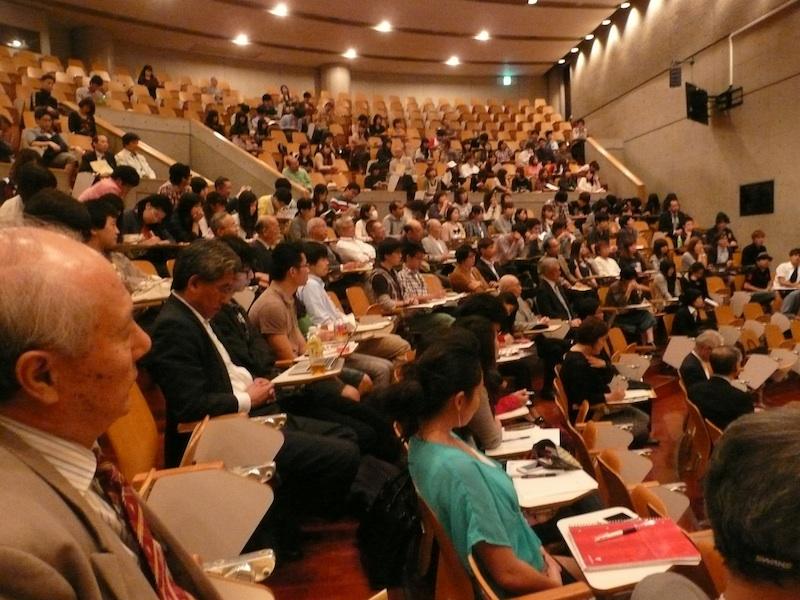 (1)シンポジウム客席2013年10月13日