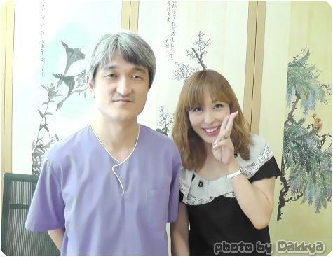 ミョンオクホン(鳴玉軒)韓医院の院長キム チンヒョン & だっきゃ