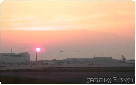 韓国旅行 飛行機の中kら見た夕焼け空 関西空港