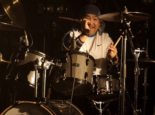 Explosion Party ドラム 生駒さん
