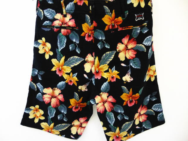 INTERFACE FLOWER SHORTS