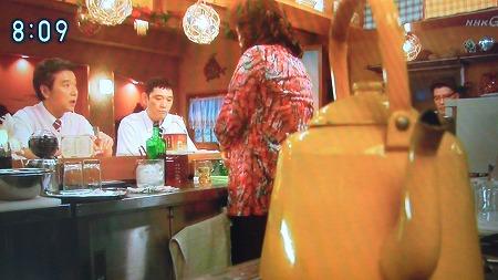 NHK連続テレビ小説「あまちゃん」 第9回4月10日放送 スナックのボトルが韓国焼酎「鏡月グリーン」