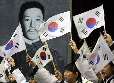 韓国はそういう歴史の事実は隠し、子供たちに間違った歴史教育を行いテロリストである安重根を英雄扱いしているのです